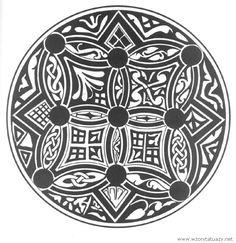 Tatuaż w kole   http://www.wzorytatuazy.net/tatuaz-w-kole  Podoba mi się ten wzór tatuażu bardzo.  #tatuaż #tatoos #wzorytatuazy #style #tatuaże