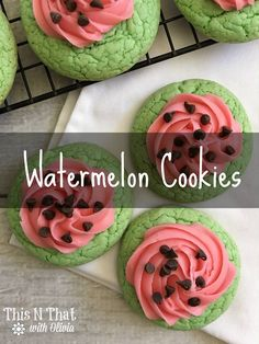 These delicious watermelon cookies are simply adorable that you almost don't want to eat them but they taste to good to pass up. #12DaysOf #CookieTime