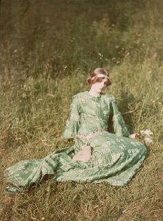 Daydreams, 1909 | The Oldest Color Photos Showing What The World Looked Like 100 Years Ago