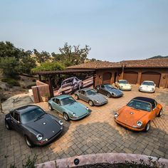 Family gathering #singervehicledesign #porsche #porsche911 #handcrafted…