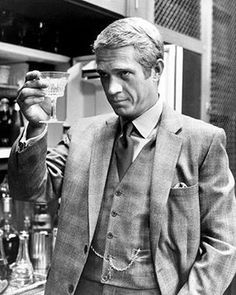 Happy 86th Birthday to the King of Cool! ✌️ #theblackears #stevemcqueen #pocketsquare   #menswear #menaccessories #menwithclass #mensfashion #scarf #hankerchief #luxury #fashion #menstyle #style #pochette #silk #fashionblogger #mensuits #suit #gentleman #gentlemanstyle #dapper #dandy #illustration #hipster #gentlemansride  #menwithfashion #mensfashionreview #gqinsider #beymen #wolfandbadger
