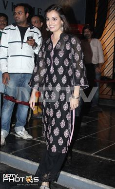 Actress Dia Mirza was spotted looking beautiful in a black salwaar-kameez watching Javed Akhtar and Shabana Azmi's play Kaifi Aur Main.