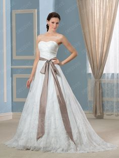Buy Pretty Sweetheart Lace Appliques Button Court Train Wedding Dress  Online, Dresswe.Com offer high quality fashion,Price: USD$168.39