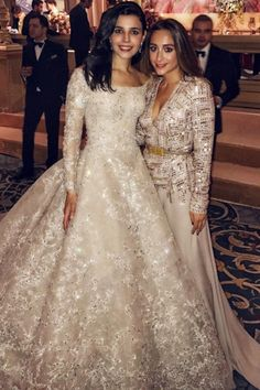 508789b90a This Turkish Bride s Wedding Dress Looks Like a Work of Art Just Sitting on  the Hanger