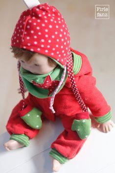 Ein Winterset für Puppen passend zum Puppenjumper vom letzten Jahr. Beides nach meinen eigenen Firlefanz-Freebooks genäht.