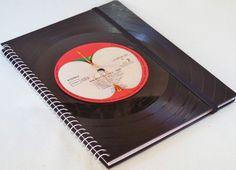 The Beatles Vinyl Notizbuch, Schallplatte retro  von VinylKunst Aurum - Schallplatten Upcycling der besonderen ART auf DaWanda.com