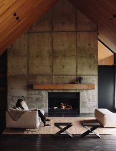 Have you ever wondered why many homes can't do without having a fireplace? Well, the truth is that aside from the warmth it brings to the home, purchasing a fireplace … Design Industrial, Industrial House, Industrial Shelving, Rustic Industrial, Concrete Fireplace, Fireplace Design, Fireplace Ideas, Concrete Walls, Linear Fireplace