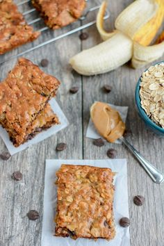 Healthy Snacks These Easy Banana Oat Bars are gluten-free, dairy-free, kid-friendly and make the perfect snack. Grab the kids and try this recipe today! - These Easy Banana Oat Bars are gluten-free, kid-friendly and make the perfect snack. Healthy Banana Recipes, Healthy Baking, Healthy Treats, Overripe Banana Recipes, Healthy Oat Bars, Oat Slice Healthy, Easy Banana Desserts, Healthy Banana Cookies, Easy Protein Bars