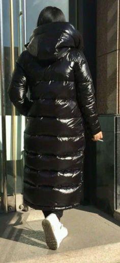 psb (14) (PQAZML) Tags: long down coat puffy nylon hood fur woman beauty sexy parkasite moncler winter cold jacket fetish