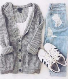 Awesome Cute Spring Outfits 40 Super cute outfits for school. Check more at - Awesome Cute Spring Outfits 40 Super cute outfits for school… Check more at Source by - Cute Spring Outfits, Cute Outfits For School, Fall Winter Outfits, Casual Winter, School Wear, Winter Wear, College Winter Outfits, Cold Weather Outfits For School, Autumn Outfits For Teen Girls