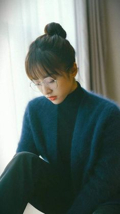 Shen Yue posts new photos for Mid-Autumn Festival Best Photo Poses, Poses For Photos, I Love Girls, Cute Girls, Asian Girl, Korean Girl, Happy Mid Autumn Festival, Meteor Garden 2018, A Love So Beautiful
