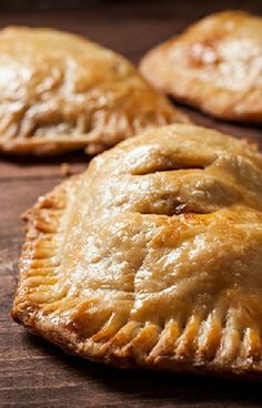 Low FODMAP and Gluten Free Recipe - Chicken empanadas - http://www.ibssano.com/low_fodmap_recipe_chicken_empanadas.html