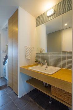 トイレ/バス事例:洗面(広々としたナチュラル&ヴィンテージな家(リノベーション))