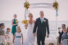 Make your dream wedding happen on the sandy shores of the Longboat Key Beach in Sarasota, FL!