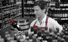 ¿Cuáles son los factores que influyen en el precio del vino? https://www.vinetur.com/2014121117674/cuales-son-los-factores-que-influyen-en-el-precio-del-vino.html