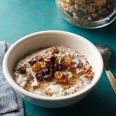 Quinoa & Chia Oatmeal Mix - day five breakfast Mediterranean Diet Breakfast, Easy Mediterranean Diet Recipes, Mediterranean Food, Oatmeal Recipes, Cereal Recipes, Living At Home, Breakfast Recipes, Breakfast Ideas, Breakfast Bowls