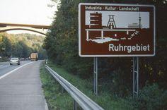 Skilt i Ruhr Sweet Home, Signs, Modern, Landscape, Viajes, Centre, Trendy Tree, House Beautiful, Shop Signs