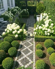 White and green garden and landscaping design - ABSOLUTELY STUNNING!! - A PERFECT PLACE TO SIT & ENJOY THE BEAUTIFUL SURROUNDINGS!!