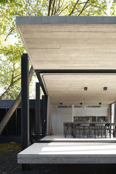 Techos cubiertos de madera para crear un ambiente acogedor.