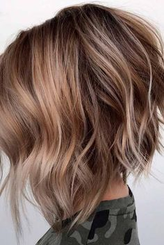 60 Beautiful and Convenient Medium Bob Hairstyles Angled Razored Bob Medium Bob Hairstyles, Hairstyles Haircuts, Trendy Hairstyles, Wedding Hairstyles, Inverted Bob Haircuts, Natural Hairstyles, Ladies Hairstyles, Blonde Hairstyles, Neck Length Hairstyles