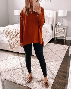 Casual Fall Outfits, Mom Outfits, Fall Winter Outfits, Black Leggings Outfit, Black Pants, Sweaters And Jeans, Faux Leather Leggings, Dress To Impress, Waffle Knit