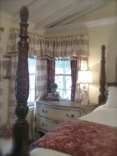 FRENCH COUNTRY COTTAGE: FRENCH COTTAGE BEDROOM