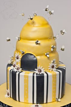 Bee Baby Shower Cake  |  by Dream Day Cakes