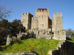 Castelo de Pombal - Portugal, via Flickr.