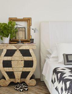 Bed, Room, Wall, Interior design, Linens, Bedding, Bed sheet, Bedroom, Pillow, Grey, Sophisticated Bedroom, Stylish Bedroom, Sophisticated Style, Bedroom Decorating Tips, Bedroom Ideas, Bedroom Turquoise, Cozy Bed, Dream Bedroom, Bedroom Black