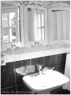 **1** THE MIRROR..3 PART MIRROR in dark wood.... white life ©: DIY - 3-Part Mirror