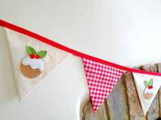 Christmas Bunting Garland with Felt Applique Christmas Puddings - Double Sided Xmas Fabric Bunting - Mantlepiece Christmas Decoration Scandi Diy Christmas Bunting, Christmas On A Budget, Handmade Christmas Decorations, Nordic Christmas, Christmas Sewing, Christmas Makes, Homemade Christmas, Christmas Fun, Fabric Bunting