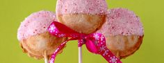Pie Pop Recipes via Love From the Oven - peppermint chocolate, pumpkin spice, chocolate.and toppings Brownie Pops, Brownie Cake, Cake Machine, Pop Maker, Pie Pops, Christmas Sweets, Sweet And Salty, Desert Recipes, Holiday Baking