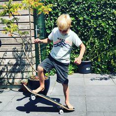 🛹 ✯ Practice makes perfect!  #rebelloa #rebelloaforkids #amondayincopenhagen . #kindermode #kinderkleding #kinderkleren #kindermusthaves #kindermodeblog #kidsclothing #kidsfashion #fashionkids #igkiddies #instakids #kidzootd #kidsstyle #streetwearbrands #smallshop #coolkids #coolkidsclub #coolkid #kinderkledingwinkel #kinderkledingwebshop #stoerekinderkleding #smallshopowner #hippekinderkleding #kinderkledinginspiratie #minimemagazine #kidsmode #jongenskleren #jongenskleding Cool Kids Club, Kids Z, Kids Mode, Streetwear Brands, Mini Me, Fashion Kids, Rebel, Skateboard, Sporty