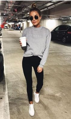 Sweatshirt dress outfit casual leggings 37 Ideas for 2019 Legging Outfits, Adidas Leggings Outfit, Athleisure Outfits, Sporty Outfits, Mode Outfits, Black Leggings, Airport Outfits, Athleisure Fashion, Pants Outfit