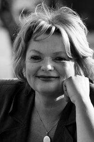 Annet Luyendijk | Trainer Coach Mediator ICT HR | Informatiemanagement Consultant | Interim: 'Breed zijn is mijn specialisme' | en ze is mijn hardloopmaatje | woensdagavond intervaltraining bij Aart Stigter Herculesplein