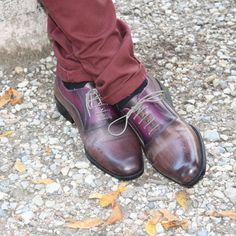 #Shoe #Man - Oxford leather - effect dark brown buffered with purple shades. These #high #quality #leather man shoes are #handmade and #handpainted. Every model is repeatable, but at the same time is unique. These shoes are extraordinarily #comfortable, #breathable (your feet is safe) and #long-lasting. The colors and the materials make these products quite polished, but also #wearable for an original touch in #everyday #life
