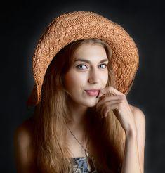 너무예쁜 에이프릴 이나은 Too pretty April or Eun Photo Touch Up, Photo Look, Photo Repair, Photo Retouching Services, Photo Restoration, Sun Hats For Women, Portrait Images, Summer Hats, My Images