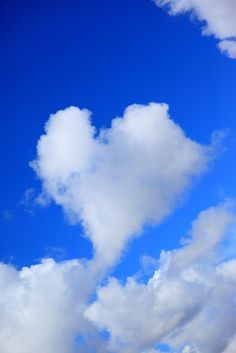 Heart Shaped Cloud - Heart, heart, in my heart, give my heart to Jesus. I Love Heart, With All My Heart, Love Is All, Heart In Nature, Heart Art, Backgrounds Wallpapers, Heart Images, Love Symbols, Felt Hearts