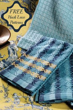 Get 3 free huck lace projects, plus tips for designing handwovens to perfectly match existing decor. For example, these towels coordinate beautifully with the wallpaper that inspired them.