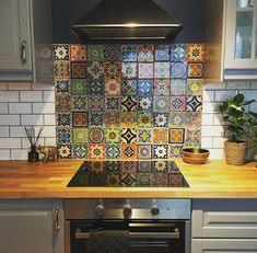 Best Free mexican kitchen decor Popular By using summer season ending, you should start making the fall season. Lots of people enjoy this particular m. Spanish Tile Kitchen, Mexican Tile Kitchen, Mexican Kitchens, Mexican Tiles, Mexican Kitchen Styles, Mexican Style Decor, Mexican Style Homes, Kitchen Decor Themes, Home Design