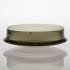 A Bowl signed Tapio Wirkkala - Bukowskis Glass Design, Design Art, Graphic Design, Lassi, Bukowski, Finland, Glass Art, Perfume Bottles, Serveware