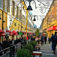 Samsun #Turkey #Samsun #Bulvar #sahil #deniz #beauty #mavi #gökyüzü #shopping #avm #alışveriş #yellow #green #historical #place #building #Mimar #life #Mecidiye #İstiklal #caddesi #street #square #road #people #crowded #architecture #yaşam #life
