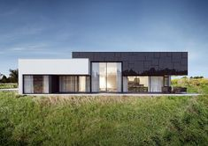 Single-family architecture design of house in Łódź, Poland. Modern Lake House, Modern Bungalow, Residential Architecture, Modern Architecture, Glass House Design, Concept Home, Architect House, Prefab Homes, Facade House