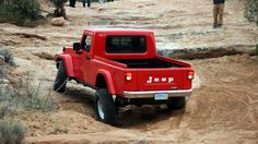 One last shot, looks more like a Brute from the rear -Jeep Concept Jeep Pickup, Jeep Gladiator, New Trucks, Mopar, Concept Cars, Military Vehicles, Offroad, Monster Trucks, Live Photos
