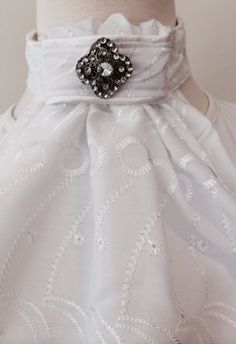 Stock tie- white embroidered cotton Euro style with white satin piping. Vintage bling pin.