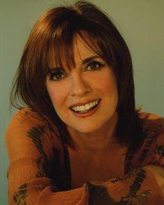 Linda Gray (Sue Ellen Ewing) - Dallas - can you believe she is Serie Dallas, Dallas Tv Show, Linda Gray, First Encounter, Big Oil, Dramatic Classic, Got The Look, Santa Monica, Redheads