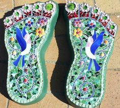 Cement feet stepping stones by Glasshoppers https://www.facebook.com/glasshoppers.stained.glass