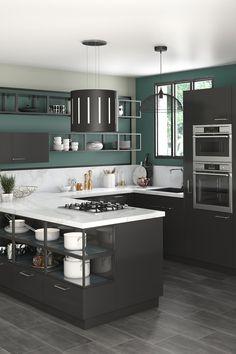 Osez le noir dans la cuisine pour donner du caractère à votre pièce. Cette couleur sublimera le style design ou industriel en apportant une note d'élégance !   Decor, Home Room Design, Small Living Room Decor, Room Design, Luxury Kitchen, Home Decor, Kitchen Room Design, Modern Kitchen Design, Kitchen Design