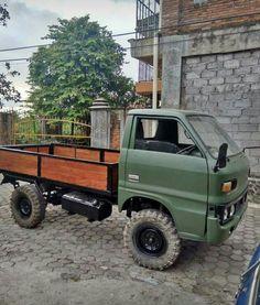 Isuzu KAD 51 Bus Camper, Campers, Grafting Plants, Electric Bike Kits, Utility Truck, Mini Trucks, Old Cars, Van Life, Cars And Motorcycles