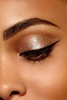 29 Products If You're Too Lazy For A Full Face Of Makeup Stila Glitter And Glow, Sparkle Eyeshadow, Metallic Eyeliner, Glitter Hair, Glitter Makeup, Stilla Glitter Eyeshadow, Sparkly Eye Makeup, Rhinestone Makeup, Metallic Eyeshadow